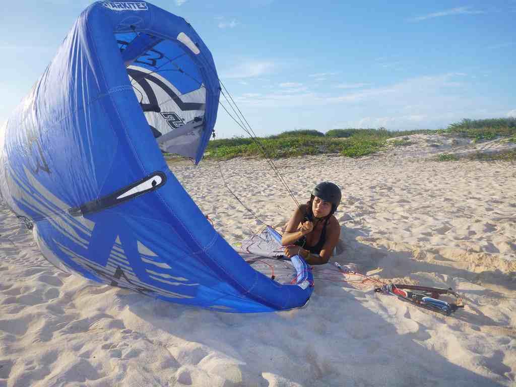 Kiteboarding-Aruba-Xtremewinds-self-rescue-AITC